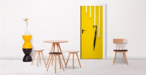 ott_hooks_white_lb3_yellow_door