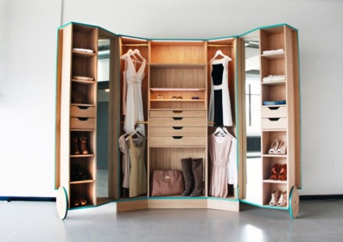 smart-walk-in-closet-as-a-mini-fitting-room-2-554x393