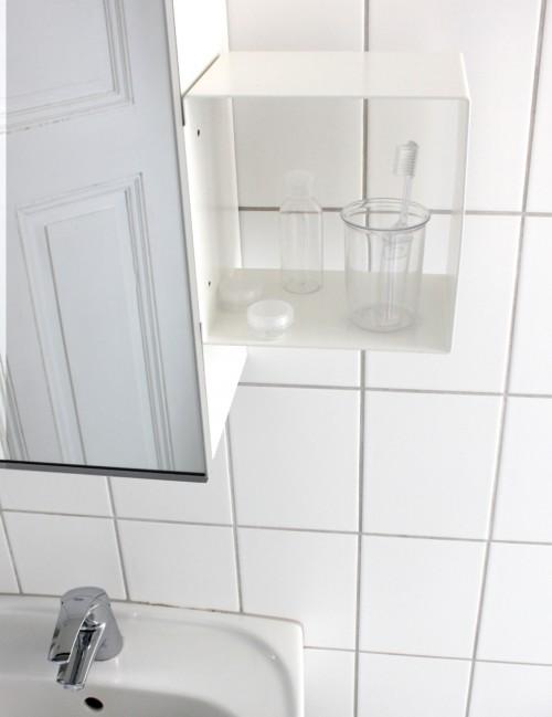 clipshelf_bathroom_0