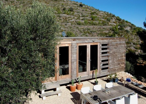 dmp-arquitectura-prefab-prototype-exterior3-via-smallhousebliss
