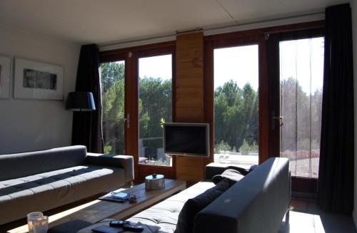 dmp-arquitectura-prefab-prototype-living2-via-smallhousebliss