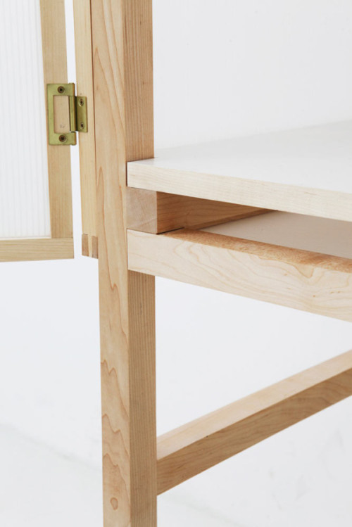 Forming-the-Border-Desk-Juhui-Cho-6-600x899