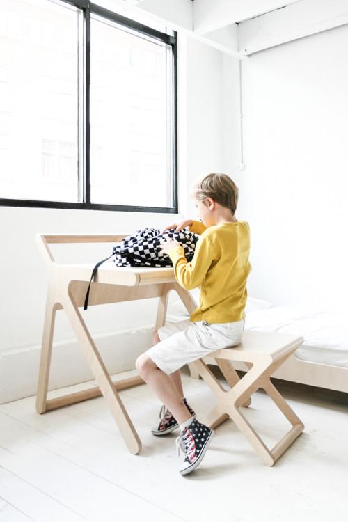 Rafa-kids-K-desk