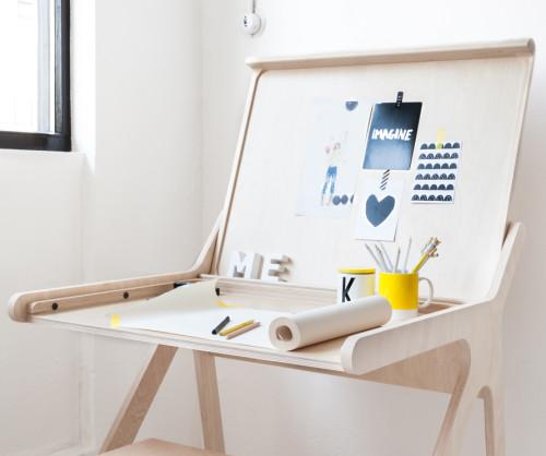 Rafa-kids-K-desk-open