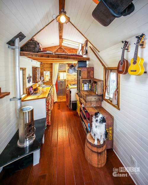 tiny-house-giant-journey-mobile-home-jenna-guillame-3