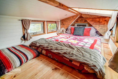 tiny-house-giant-journey-mobile-home-jenna-guillame-7